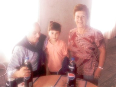 Rodrigo con el 'tata Ruben' y la 'abuela Susana'